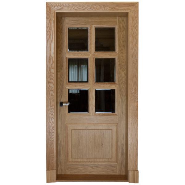 Двери из массива со стеклом с фацетом