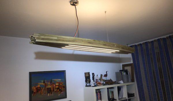 Светильник потолочный из состаренного дерева